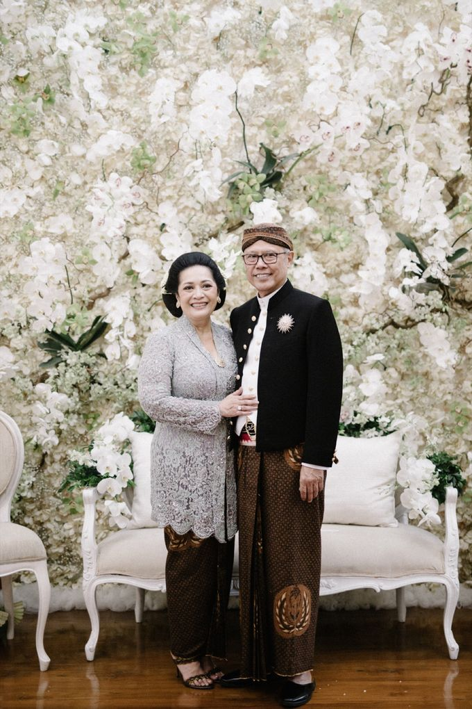 A WEDDING AT PONDOK INDAH by AIRY - 017