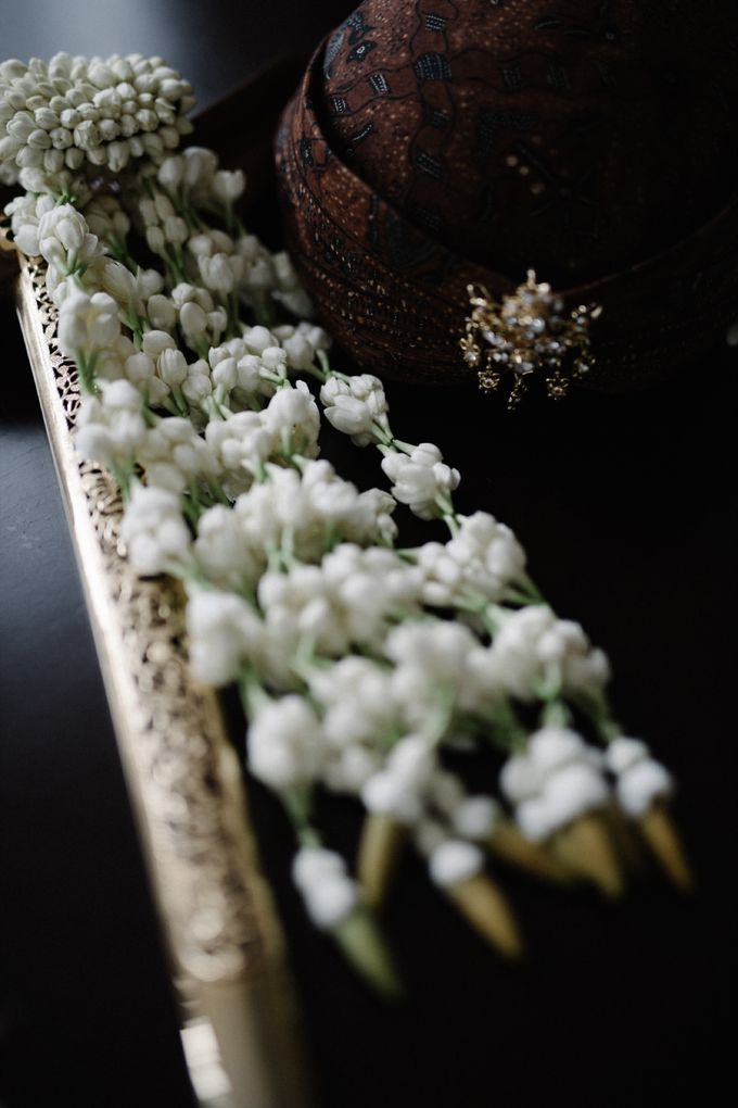 A WEDDING AT PONDOK INDAH by AIRY - 005