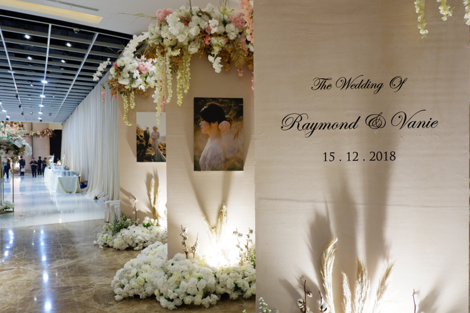 Ciputra Artpreneur (Raymond & Vanie Wedding) by The Red Carpet Entertainment - 014