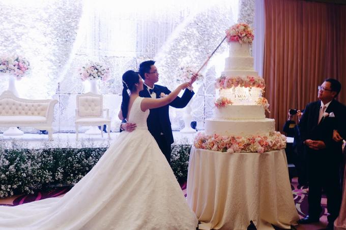 Santika Premiere Hotel (Dewo & Silvia Wedding) by The Red Carpet Entertainment - 009