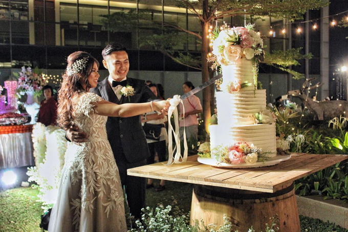 Sky Garden at Gedung OT (Kevin & Jessica Wedding) by The Red Carpet Entertainment - 009