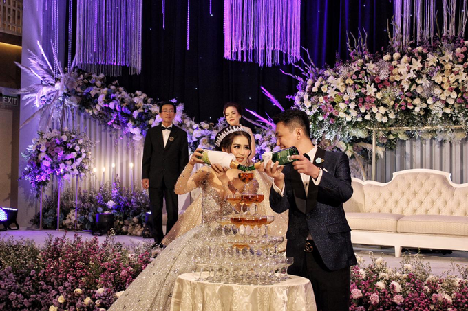 Thamrin Nine Ballroom (Milton & Irtika Wedding) by The Red Carpet Entertainment - 004