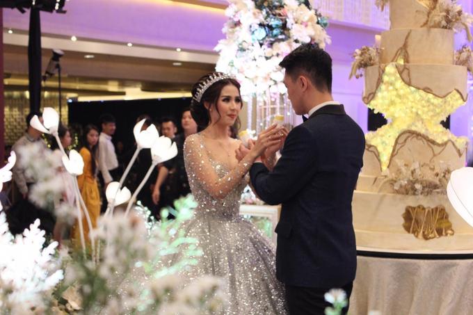 Thamrin Nine Ballroom (Milton & Irtika Wedding) by The Red Carpet Entertainment - 012