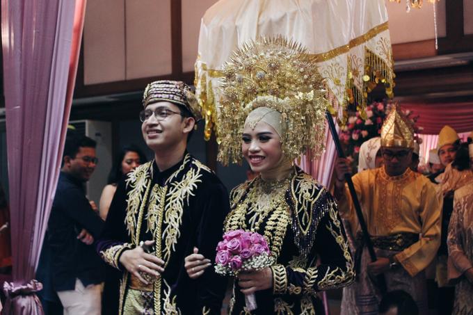 Gedung Pewayangan TMII (Andin & Aqsa Wedding) by The Red Carpet Entertainment - 001