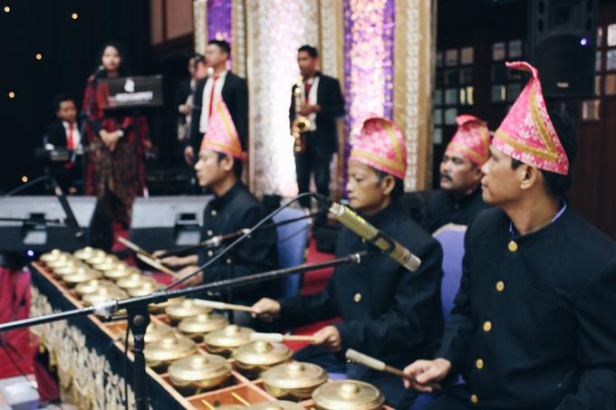 Gedung Pewayangan TMII (Andin & Aqsa Wedding) by The Red Carpet Entertainment - 008