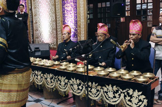 Gedung Pewayangan TMII (Andin & Aqsa Wedding) by The Red Carpet Entertainment - 009
