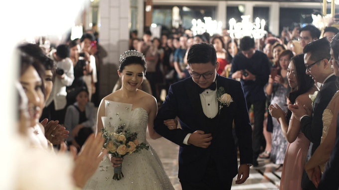 Ken & Grat Wedding at Ayana Midplaza Hotel Jakarta by The Red Carpet Entertainment - 008