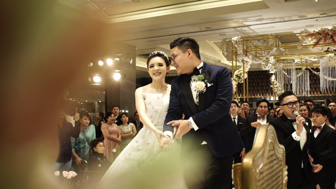 Ken & Grat Wedding at Ayana Midplaza Hotel Jakarta by The Red Carpet Entertainment - 015