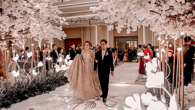 Pullman Thamrin (Felix & Krisshelda Wedding) by The Red Carpet Entertainment - 004
