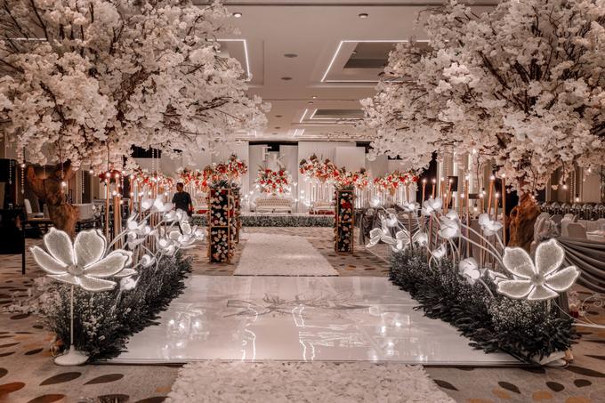 Pullman Thamrin (Felix & Krisshelda Wedding) by The Red Carpet Entertainment - 009