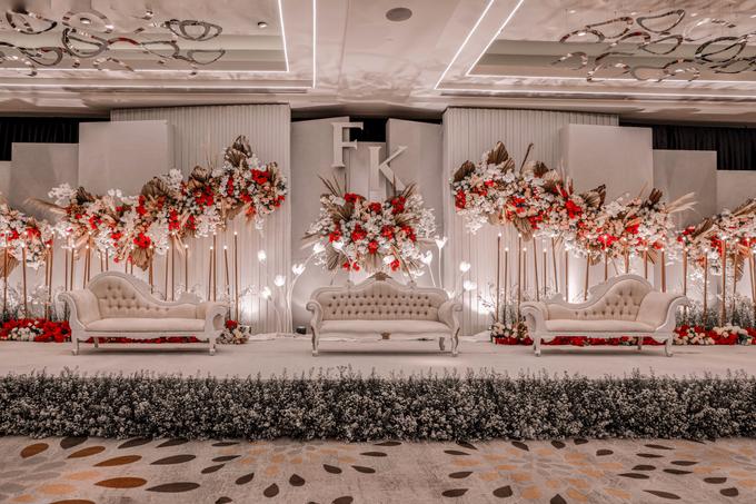 Pullman Thamrin (Felix & Krisshelda Wedding) by The Red Carpet Entertainment - 010