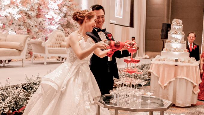 Holiday Inn Kemayoran (Tjhenardy & Honey Wedding) by The Red Carpet Entertainment - 005