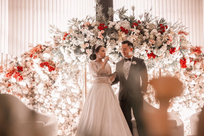 Raffles Hotel Jakarta (Andre & Indri Wedding) by The Red Carpet Entertainment - 010