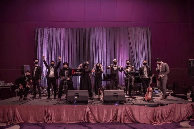 Raffles Hotel Jakarta (Andre & Indri Wedding) by The Red Carpet Entertainment - 018