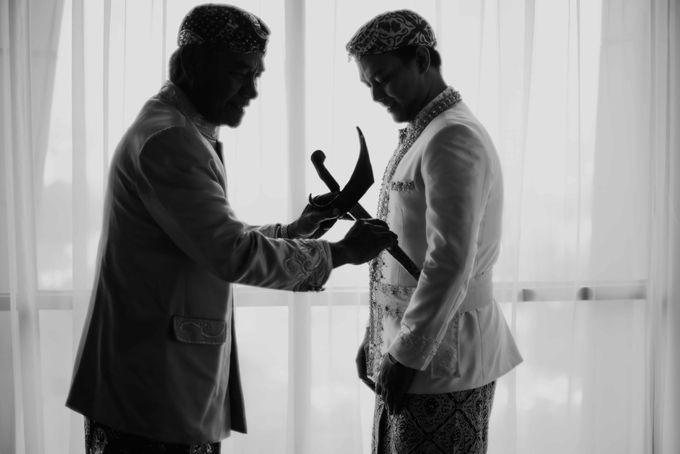 Perpaduan Adat Sunda dan Jawa dalam Pernikahan Intimate Dua Dokter by theSerenade Organizer - 008