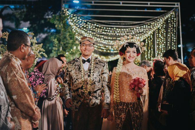 Pernikahan Outdoor dengan Tema Jawa Kontemporer by FANNY KARTIKA - 001