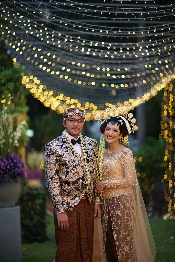 Pernikahan Outdoor dengan Tema Jawa Kontemporer by FANNY KARTIKA - 002