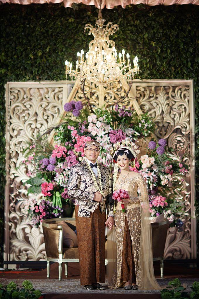 Pernikahan Outdoor dengan Tema Jawa Kontemporer by FANNY KARTIKA - 003