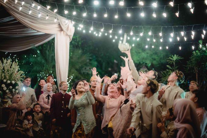 Perpaduan Adat Sunda dan Jawa dalam Pernikahan Intimate Dua Dokter by theSerenade Organizer - 016