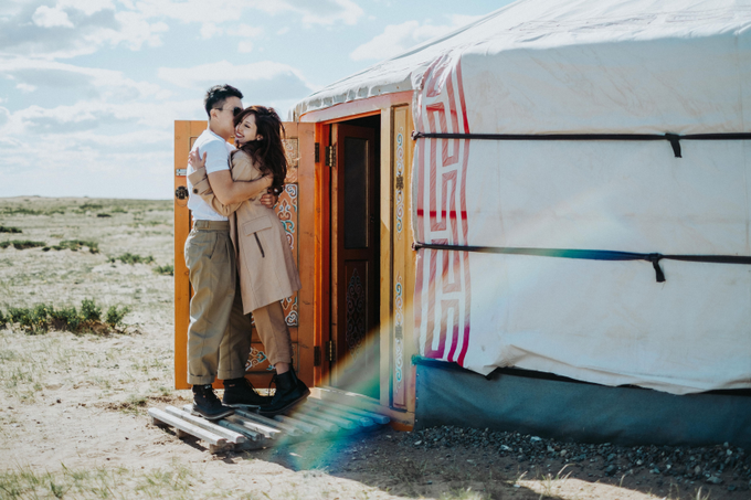 Elopement in Mongolia by The Wildest Dreams - 001