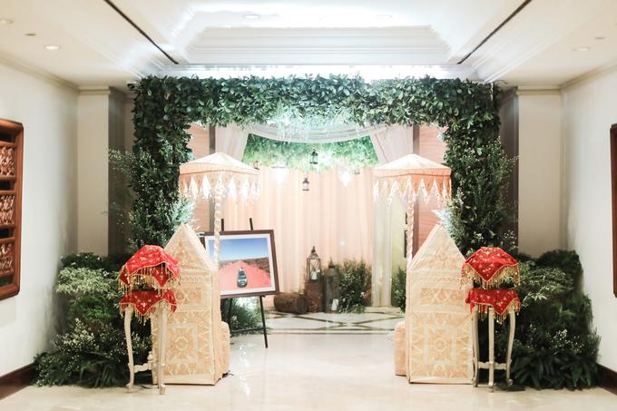 Kemegahan Resepsi Pernikahan Bernuansa Minang by theSerenade Organizer - 002