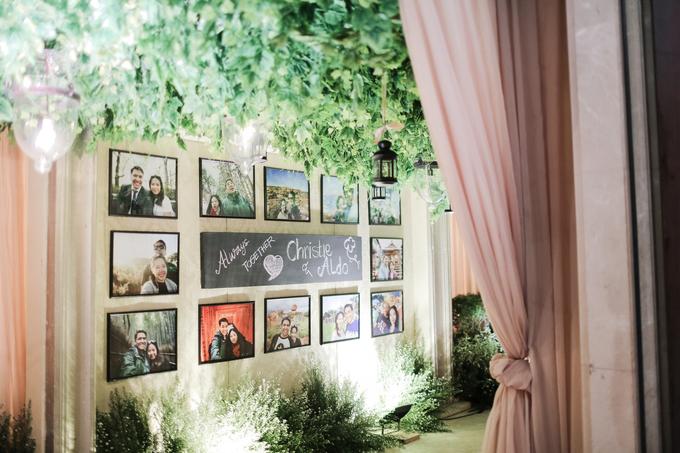 Kemegahan Resepsi Pernikahan Bernuansa Minang by theSerenade Organizer - 003