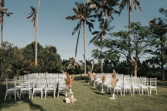 Chill Boho-chic Wedding at Villa Samadhana, Bali by Silverdust Decoration - 010