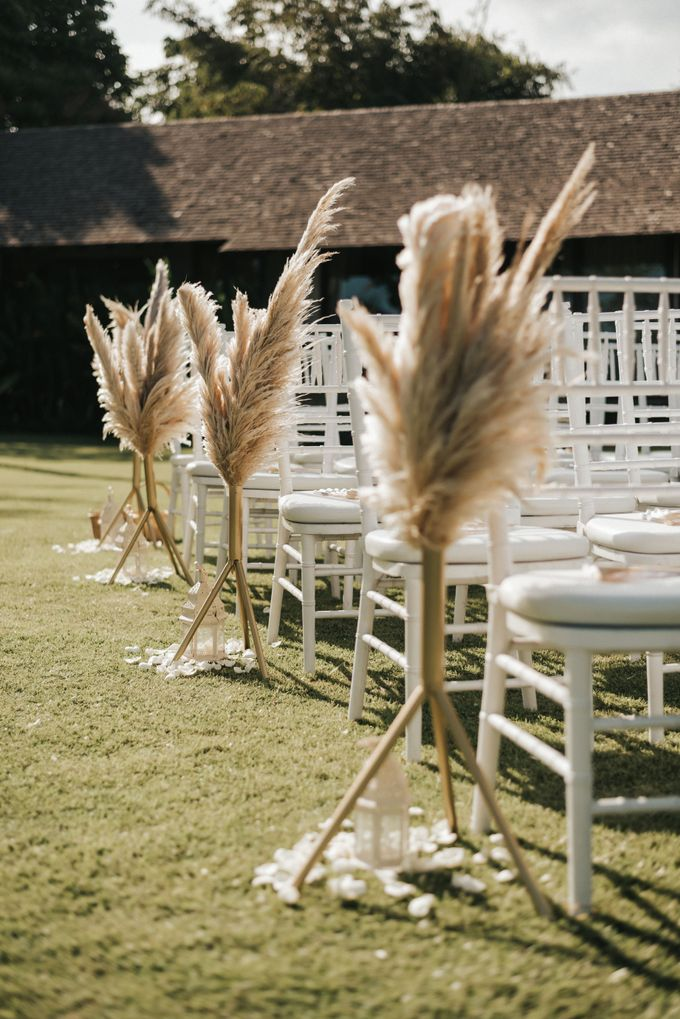 Chill Boho-chic Wedding at Villa Samadhana, Bali by Silverdust Decoration - 011