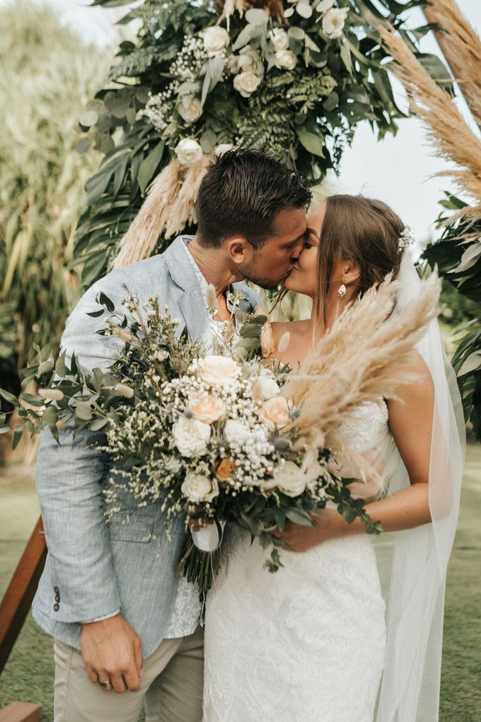 Chill Boho-chic Wedding at Villa Samadhana, Bali by Silverdust Decoration - 019