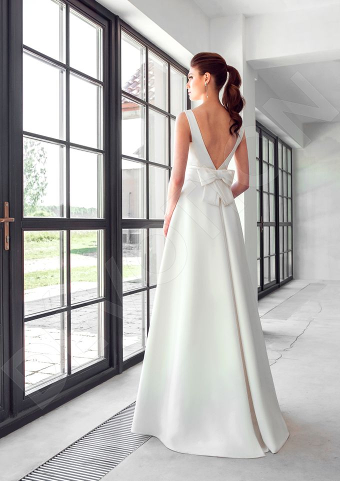Classic A-line silhouette Dinisia wedding dress by DevotionDresses - 003