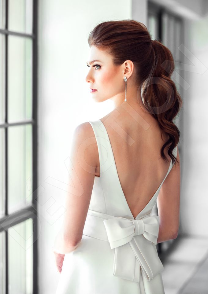 Classic A-line silhouette Dinisia wedding dress by DevotionDresses - 001