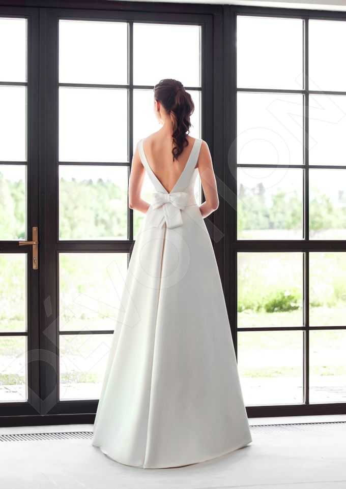 Classic A-line silhouette Dinisia wedding dress by DevotionDresses - 005