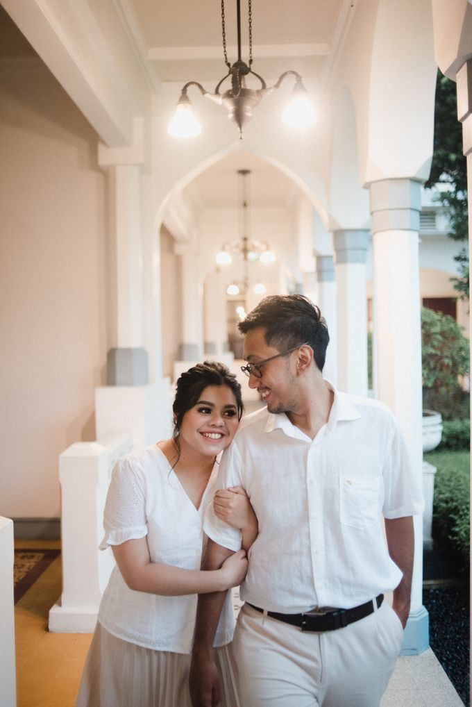 Tia and Jimmy   Couple Session  by Hotel Majapahit - 001
