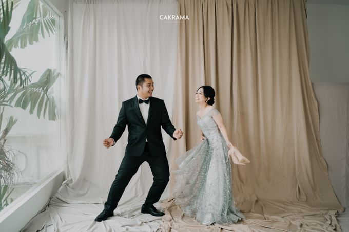 Prewedding Photoshoot Sabar & Tiara by Nike Makeup & Hairdo - 009