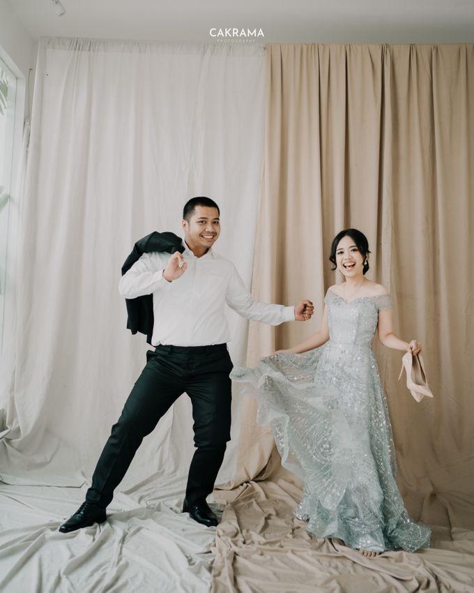 Prewedding Photoshoot Sabar & Tiara by Nike Makeup & Hairdo - 007