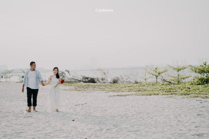 Prewedding Photoshoot Sabar & Tiara by Nike Makeup & Hairdo - 004
