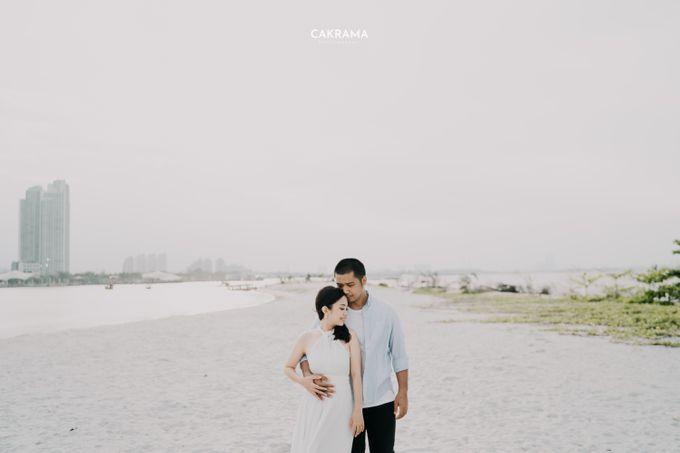 Prewedding Photoshoot Sabar & Tiara by Nike Makeup & Hairdo - 001