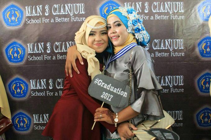 Graduation Makeup by Tiyas Makeup - 010