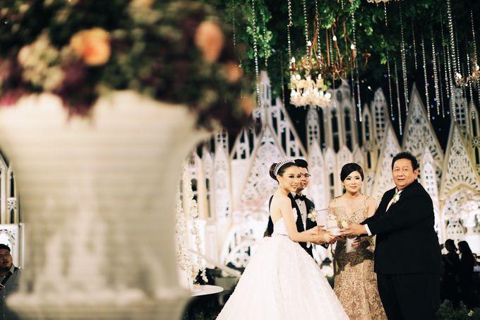 Yulianto & Lina - Wedding Day by Diorama Tailor - 036