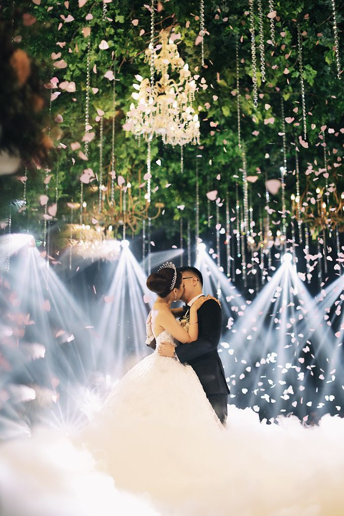 Yulianto & Lina - Wedding Day by Diorama Tailor - 041