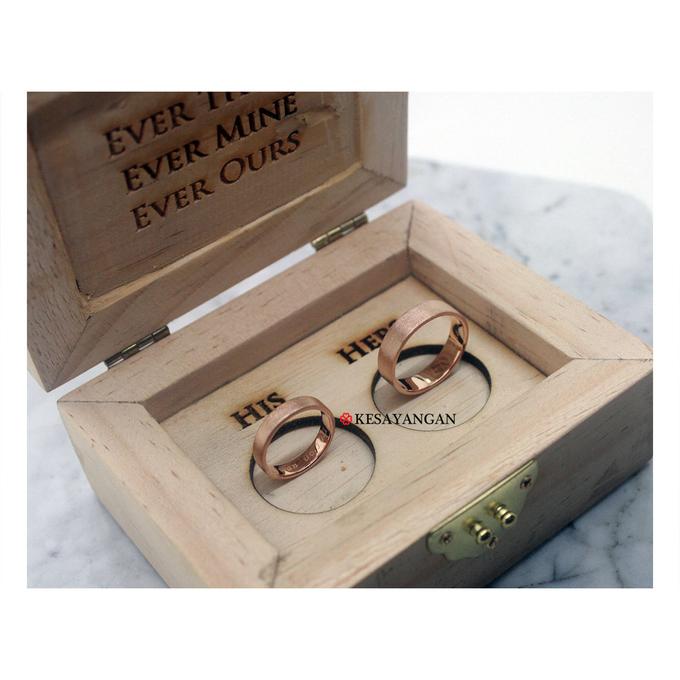 Custom wooden box by Toko Emas Kesayangan - 003