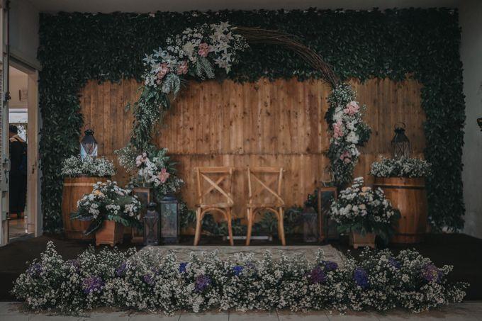 Bohemian & Rustic Simple Wedding of Heny & Luke by Abirupa Wedding Planner - 009