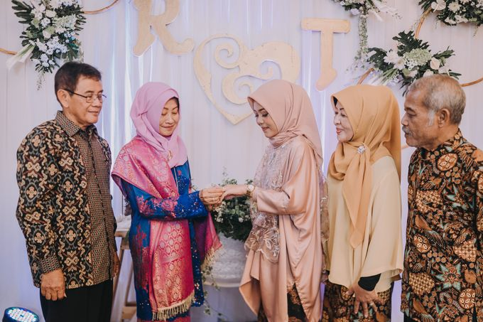 Engagement Day Retno & Tara by Hexa Images - 011