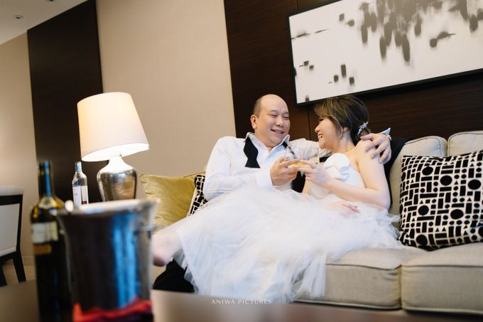 Intimate Wedding - Nick & Christy by Aniwa Pictures - 024