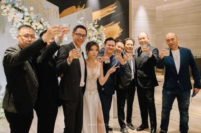 Intimate Wedding - Nick & Christy by Aniwa Pictures - 041