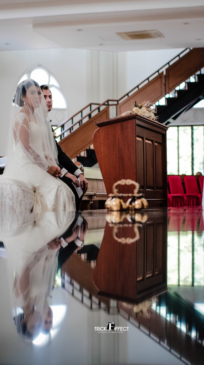 The Wedding of Alvita & Peter by Trickeffect - 001