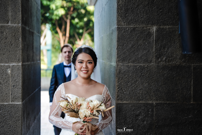 The Wedding of Alvita & Peter by Trickeffect - 005
