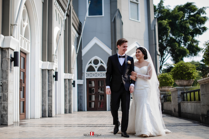 The Wedding of Alvita & Peter by Trickeffect - 007