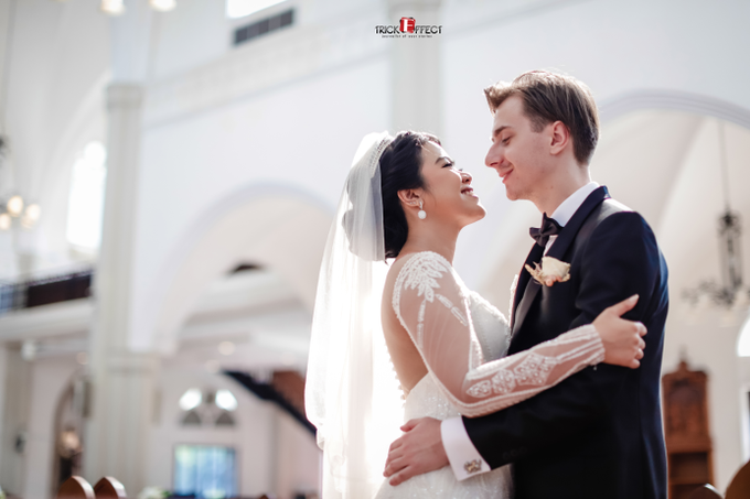 The Wedding of Alvita & Peter by Trickeffect - 008