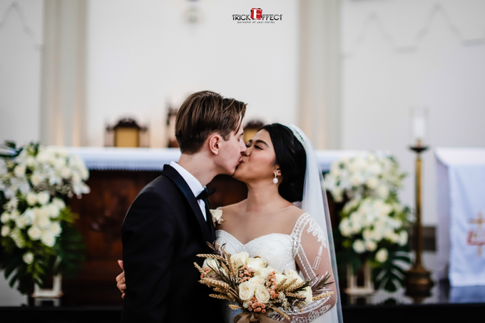 The Wedding of Alvita & Peter by Trickeffect - 017